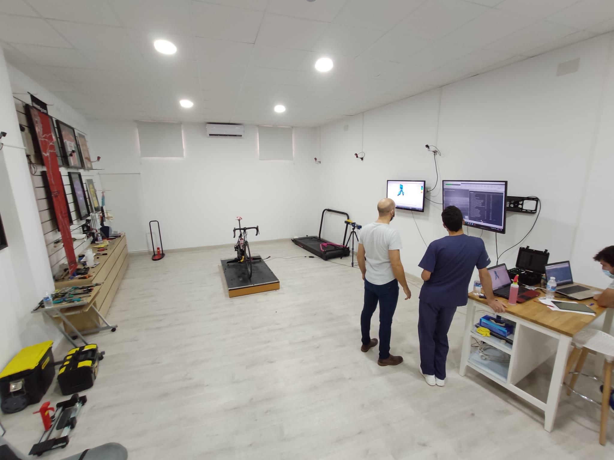 """""""Curso de especialización en biomecánica clínica aplicada al ciclismo"""" impartido en las instalaciones de Clínica Podotec"""